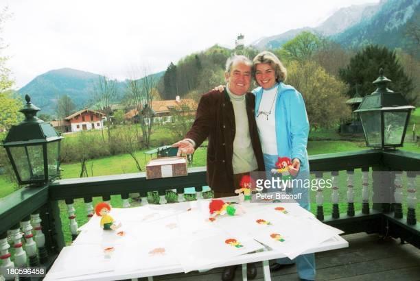 Hans Clarin Ehefrau Christa Graefin von Hardenberg Homestory anlaeßlich 40 Jahre Synchronstimme von Pumuckl Aschau/Chiemgau Moserhof Kobold...