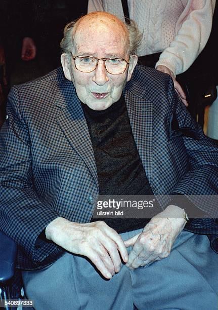 Hans Fitze ExIntendant des Altonaer Theaters anlässlich seines 95sten Geburtstags im April 1998 Er starb im November 1998 Aufgenommen April 1998