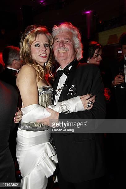 Hans Georg Muth Und Ehefrau Gisela Beim 39.Deutschen Filmball Im Hotel Bayrischer Hof In München