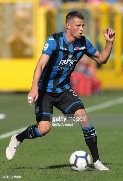 Hans Hateboer of Atalanta BC in action during the Serie A match between Atalanta BC and UC Sampdoria at Stadio Atleti Azzurri d'Italia on October 7...