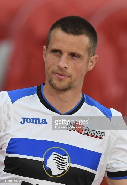 Hans Hateboer of Atalanta BC in action during the Serie A match between SSC Napoli and Atalanta BC at Stadio San Paolo on April 22 2019 in Naples...