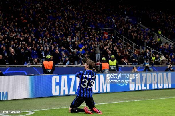 Hans Hateboer of Atalanta Bergamo celebrates goal during the UEFA Champions League match between Atalanta Bergamo v Valencia at the Stadio San Siro...