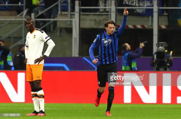 Hans Hateboer of Atalanta celebrates after scoring the opening goal during the UEFA Champions League round of 16 first leg match between Atalanta and...