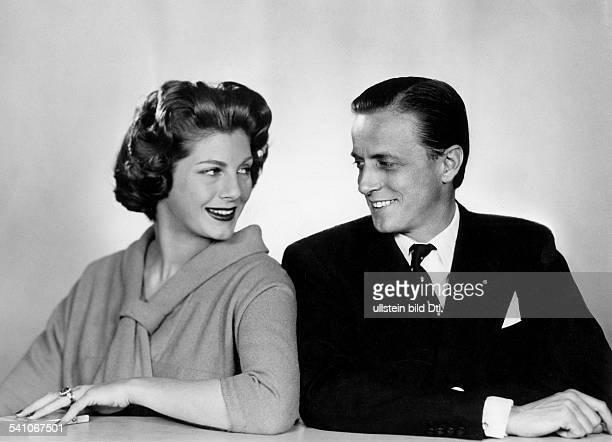 Hans Heinrich ThyssenBornemisza*Unternehmer Industrieller Kunstsammler Schweizmit Ehefrau Fiona geb CampbellWalter 1957