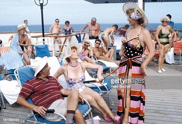 Hans Helmut Dickow Elisabeth Volkmann MarieLuise Marjan Dreharbeiten zur ZDFReihe Traumschiff Folge 12 Episode 1 Nachbarn MS Astor Rio de...