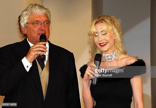 Hans Meiser Dolly Buster 50 Jahre UNICEF Deutschland Sternen Gala Bad NeuenahrAhrweiler Kurhaussaal PornoStar Mikrofon Showmaster Moderator...