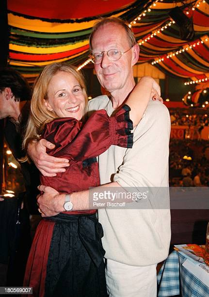 Hans Peter Knorff Ehefrau ChristianeLeuchtmann BavariaWies`nFestOktober München/Bayern tanzen Frau