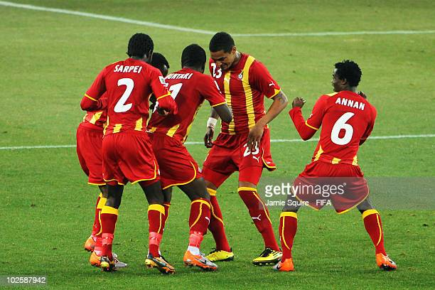 Hans Sarpei Sulley Muntari Kevin Prince Boateng and Anthony Annan of Ghana celebrate after Muntari scores his side's first goal during the 2010 FIFA...