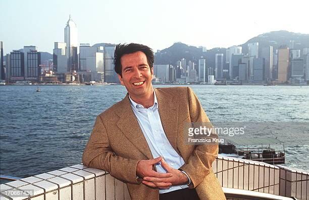 Hans Schenker Dreht Katrin In Hong Kong Sat 1