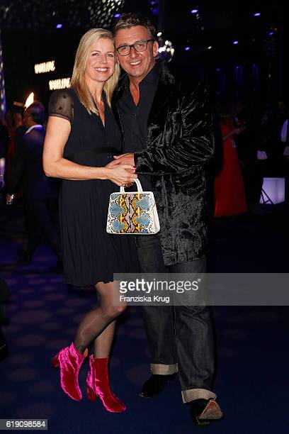 Hans Sigl and his wife Susanne Sigl attend the Goldene Henne on October 28 2016 in Leipzig Germany