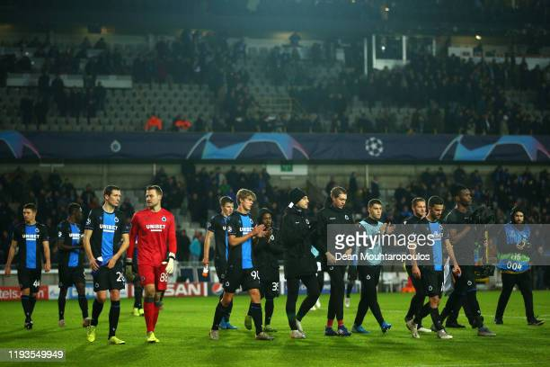 Hans Vanaken and Simon Mignolet of Club Brugge lead the team in applauds to the fans after the UEFA Champions League group A match between Club...