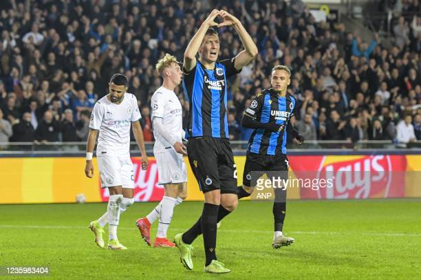 Hans Vanaken of Club Brugge celebrates the 1-4 during the UEFA Champions League match between Club Brugge and Manchester City FC at the Jan Breydel...