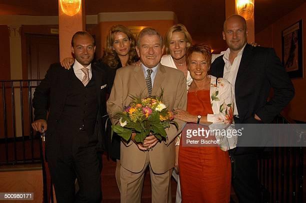 Hans von Borsody Ehefrau Karin von Borsody Tochter Suzanne von Borsody Lebensgefährte Jens Schniedenharn Cosima von Borsody Verlobter Herman...