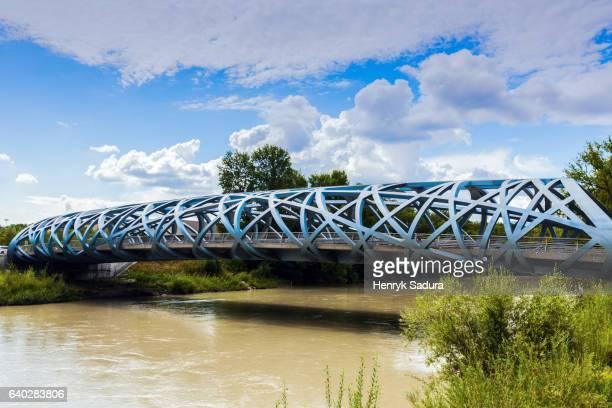 hans wilsdorf bridge in geneva - genève zwitserland stockfoto's en -beelden