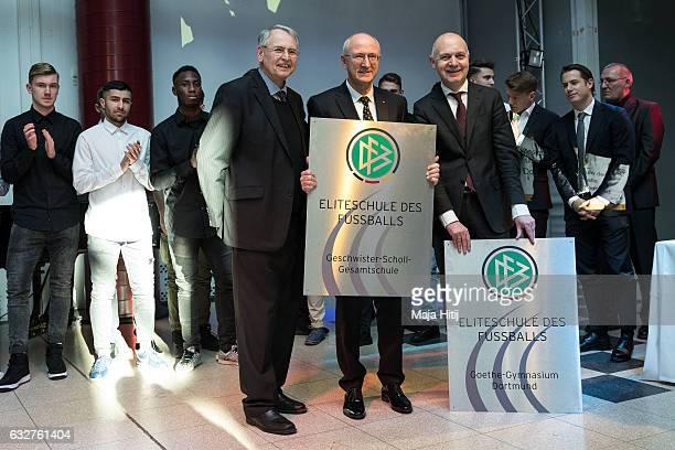 HansDieter Drewitz member of the DFB executive board Klaus Zielonka principal of the GeschwisterScholl Gesamtschule and Bernd Neuendorf State...
