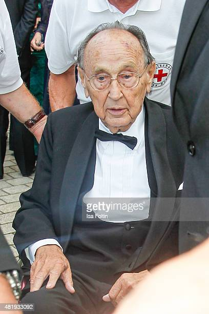 HansDietrich Genscher attends the Bayreuth Festival 2015 Opening on July 25 2015 in Bayreuth Germany