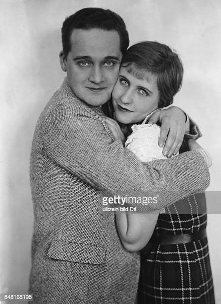 Hansen Max *22121897 Actor singer Germany/ Denmark with Grete Mosheim on stage in a Viennese burlesque 1931 Photographer Gregor Harlip Vintage...