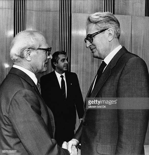 HansJochen Vogel * Politiker SPD BRD mit Erich Honecker in Ostberlin 1985