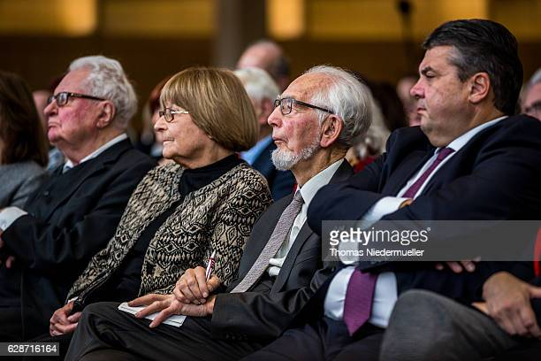 HansJochen Vogel former German minister and former Lord Mayor of Munich Irene Eppler Erhard Eppler and Vice Chancellor and Economy and Energy...