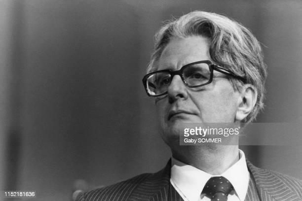 HansJochen Vogel membre du Parti socialdémocrate et candidat à la chancellerie lors d'un meeting pendant la campagne électorale à Dortmund le 21...