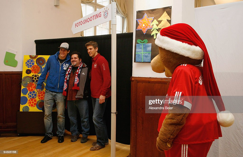FC Bayern Muenchen Christmas Charity Initiative : News Photo