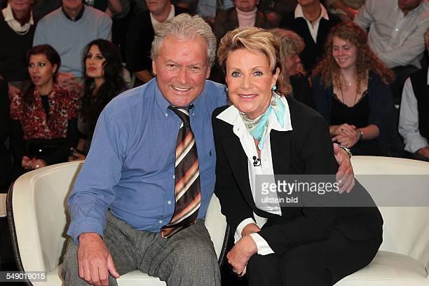 HansJuergen und Marina Baeumler der ehemalige deutsche Eiskunstlaeufer Schlagersaenger Schauspieler und Moderator mit seiner Ehefrau Marina