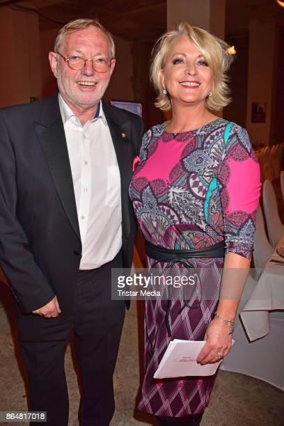 HansPeter Wodarz and Ulla Kock am Brink during the 21th Gala 'Berliner Meisterkoeche' on October 21 2017 in Berlin Germany