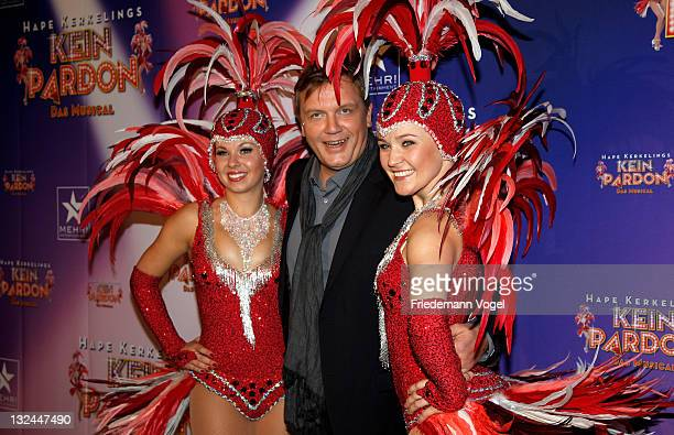 Hape Kerkeling poses during the World Premiere of the 'Kein Pardon' musical at the Capitol Theater on November 12 2011 in Duesseldorf Germany