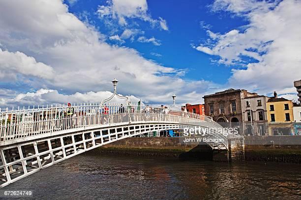 Ha'penny bridge. Dublin, Ireland