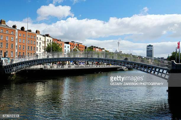 Ha'penny bridge over the river liffey