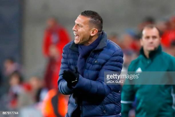 Hapoel Beersheba's Israeli head coach Barak Bakhar reacts during the UEFA Europa League Group G football match between Hapoel BeerSheva and Viktoria...