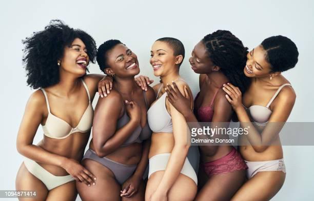 felicidade é ser confiante em sua pele - melanina - fotografias e filmes do acervo
