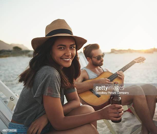 Das Glück ist Sonne, sand und ein drink in der hand