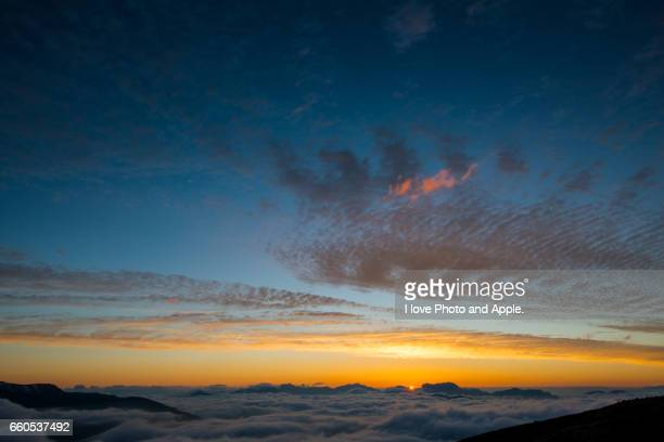 happo-one at the sunrise - 雪 stock pictures, royalty-free photos & images