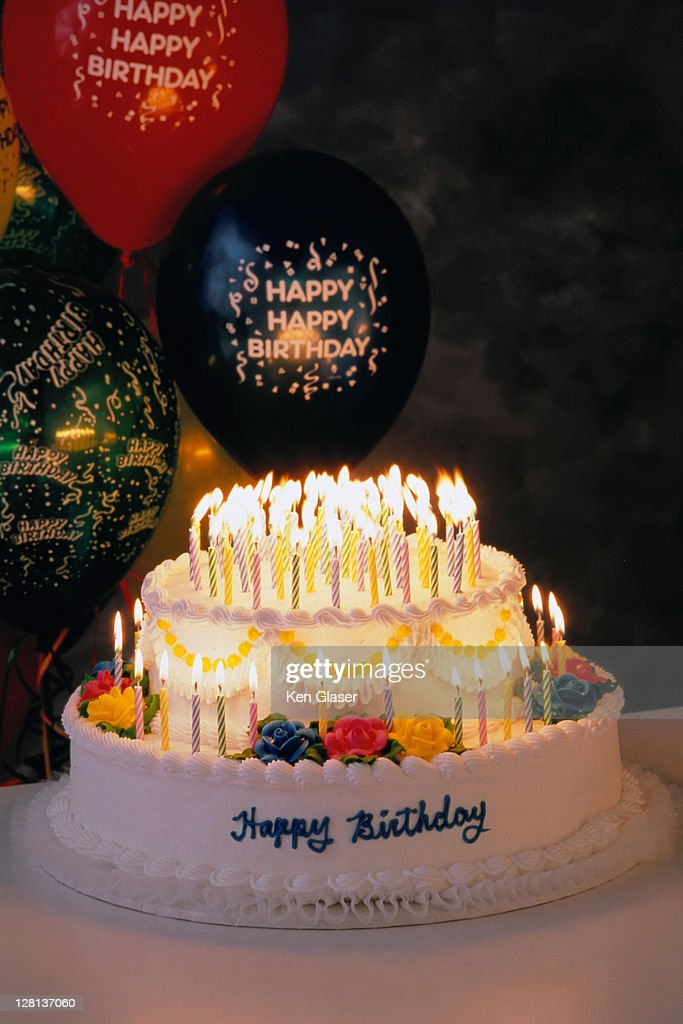 HOLCE026 Happy 100th Birthday Cake Stock Photo