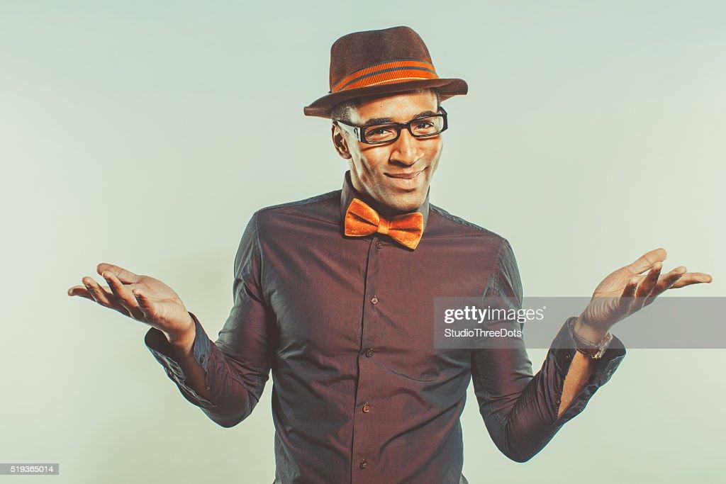 Glücklicher afroamerikanischer Mann mit Hut : Stock-Foto
