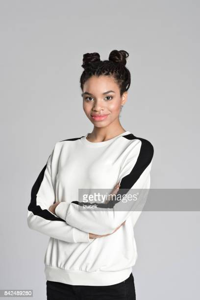 happy afro american teen girl - 16 17 jahre stock pictures, royalty-free photos & images