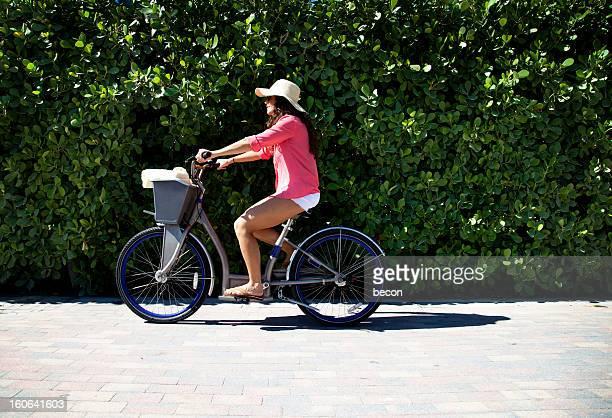 Fahrrad Frau glücklich