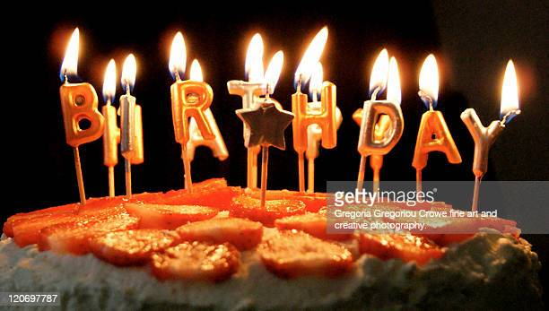 happy birthday candles - gregoria gregoriou crowe fine art and creative photography. fotografías e imágenes de stock