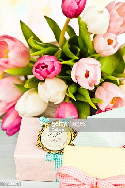happy birthday mom - mothers day card stock pictures, royalty-free photos & images