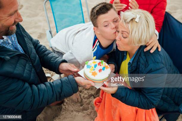 happy birthday mum - birthday cake stock pictures, royalty-free photos & images