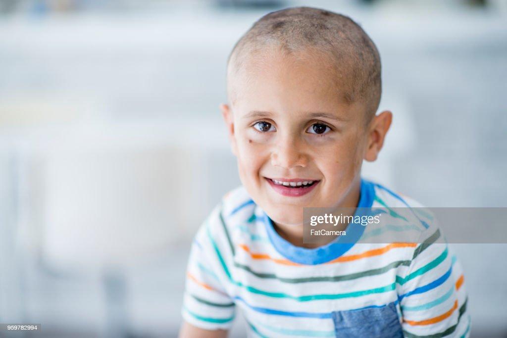 Fröhlicher Junge im Krankenhaus : Stock-Foto