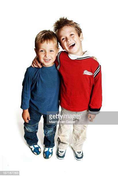 Irmãos felizes