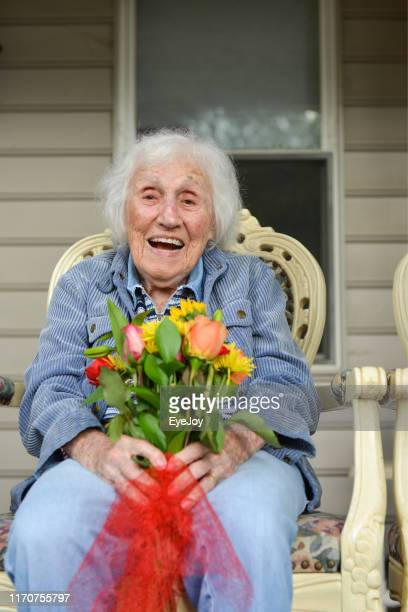 happy centenarian woman - 90 plus years stock pictures, royalty-free photos & images