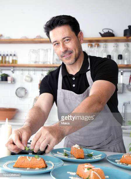 happy chef in the kitchen - free business coaching stock pictures, royalty-free photos & images
