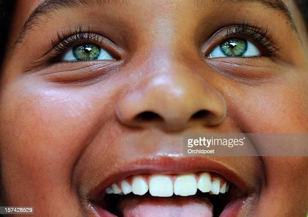 happy child - groene ogen stockfoto's en -beelden