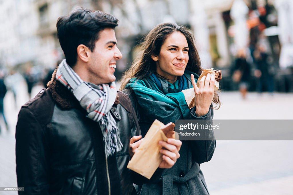 Glückliches Paar Essen : Stock-Foto