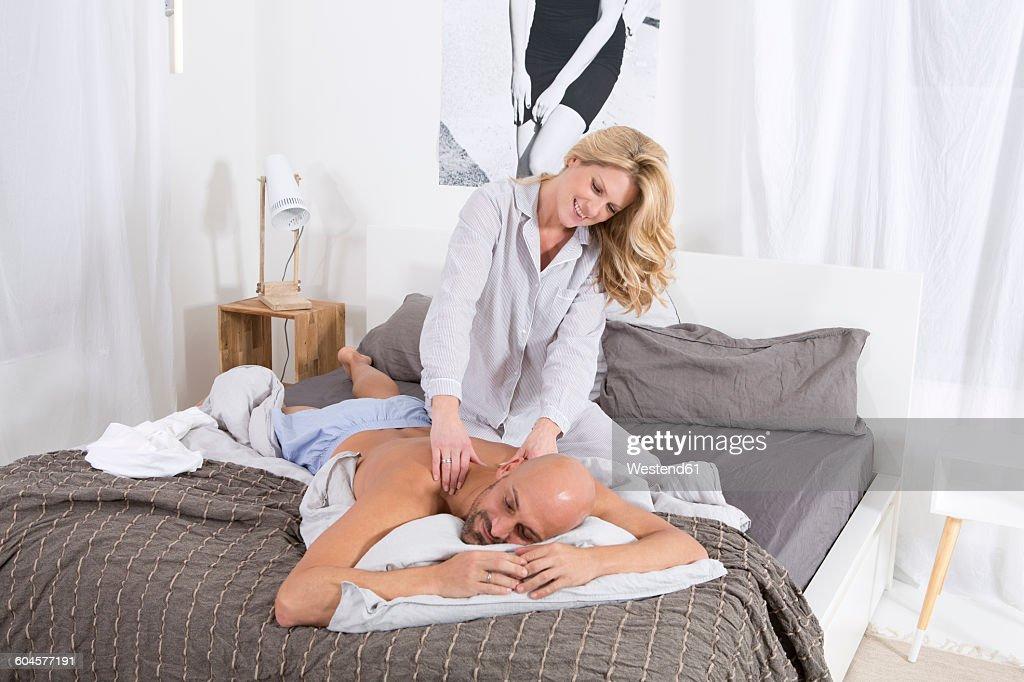 массаж в спальне - 13