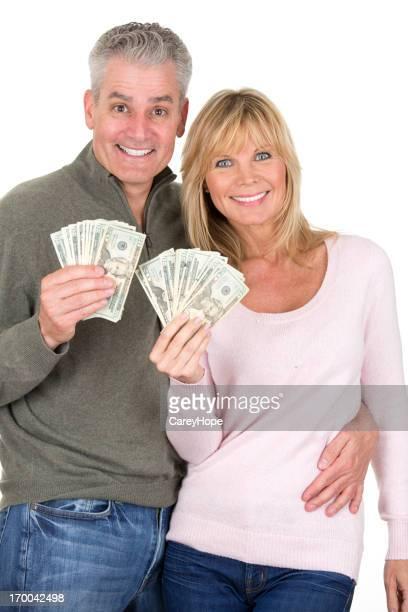 couple heureux avec l'argent