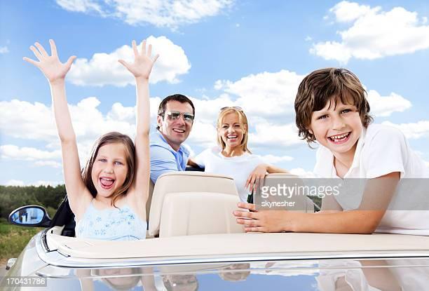 幸せな家族のにカブリオレ、ブルースカイます。
